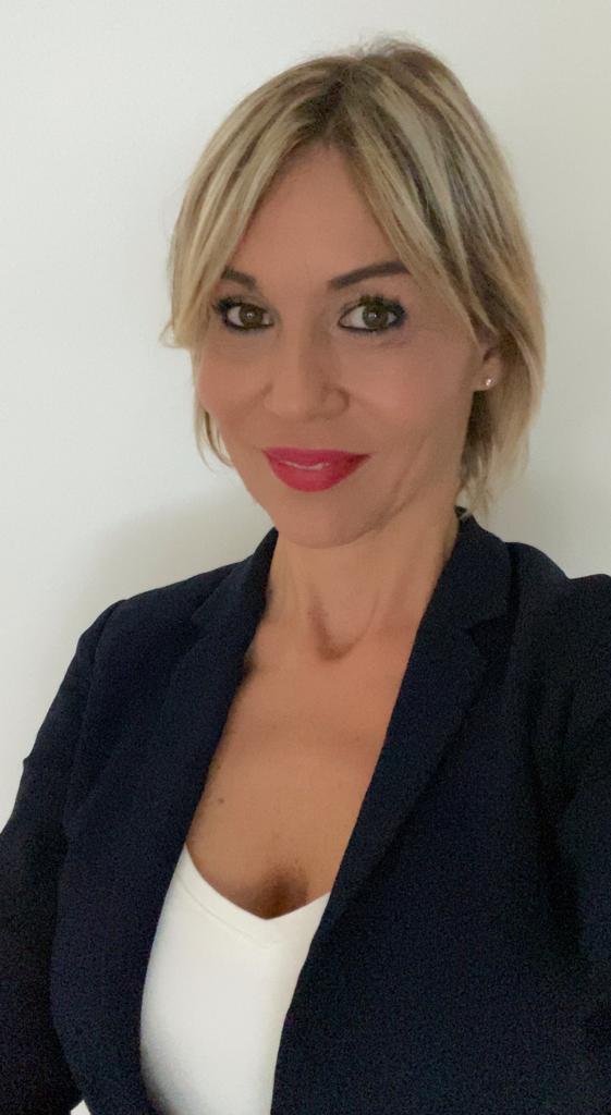 Eva Baldassin : Director