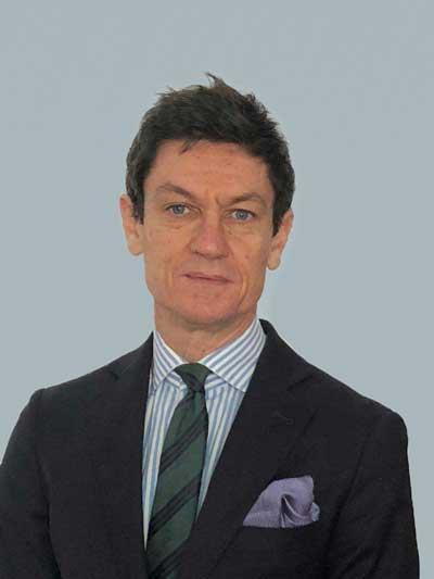 Antonio Urbano : Director